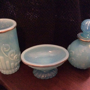 Turquoise Blue Avon Bathroom Set